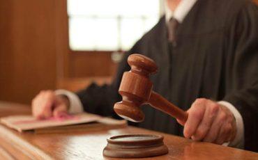Подают ли в суд на должников?