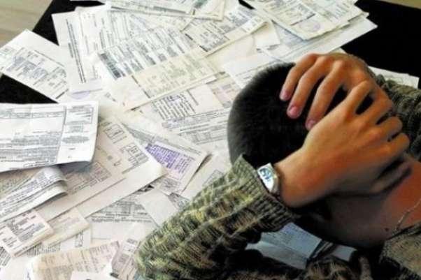 На сколько должников в Украине стало больше за год: статистика
